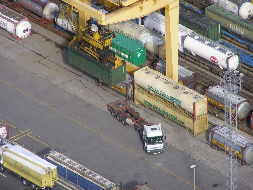 kontenery cysterny i zbiornikowe
